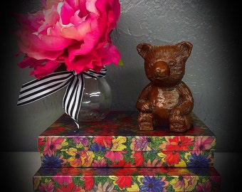 Red Mill Mfg carved bear figurine 1986 sitting bear statue