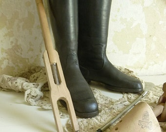 Wonderful vintage riding boots, 1950....CHARMANT!