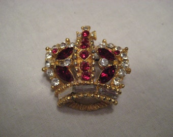Vintage Bellini Signed Crown Brooch Hard to Find Ruby Rhinestones.