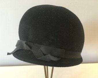 Vintage Black Wool Hat with Ribbon
