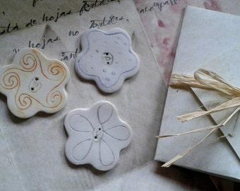 Assortment Medium Flowers Buttons