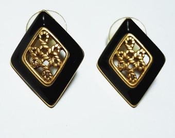 Monet Black and Gold Rhombus Stud Earrings/Monet Earrings/Black Enamel Earrings/GoldTone/Black Earrings/Black and Gold/Retro/Vintage Jewelry