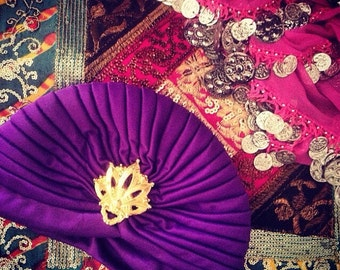 Miss Bohemian 70's handmade turban purple gypsy chain decoration lila gold