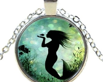 Silver Mermaid & Fish Glass Cabochon Necklace, mermaid jewelry, mermaid pendant, charm necklace, fantasy, beach jewelry, glass dome