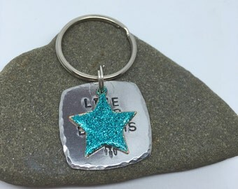 Live your dreams keyring