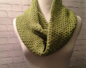 Crochet Infinity Scarf, Cowl Scarf, Eternity Scarf, Womens Scarf, Fall Fashion, Olive Green