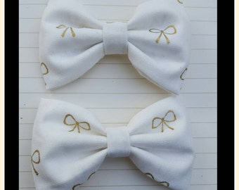 Girls ivory bow clip