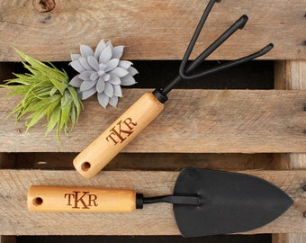 Personalized Garden Tools, Personalized Gardening Tools, Mother's Day Gift, Gifts for Mom, Gifts for Grandma, Garden Gift --GT-NW-TKR
