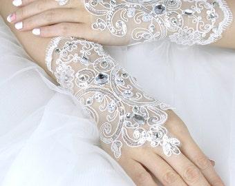 Wedding Gloves, Lace Gloves, Fingerless Gloves, bridal gloves,Bridesmaids Gloves, Bride gloves, Rhinestones Fingerless Gloves, LG16002
