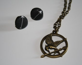 Hunger games earring and necklace set
