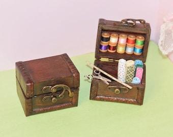 1:12 Dollhouse Miniature Antique Trunk / Miniature Chest/ Miniature furniture BD N045