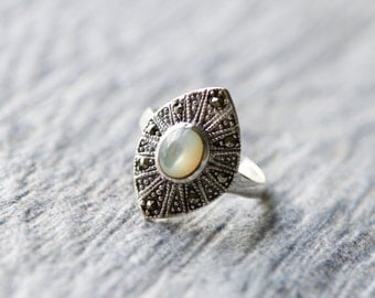 Mother of Pearl Statement Ring, 925 Sterling Silver Ring, Frame Ring, Art Deco Ring, Pearl Jewelry, Marcasite Ring