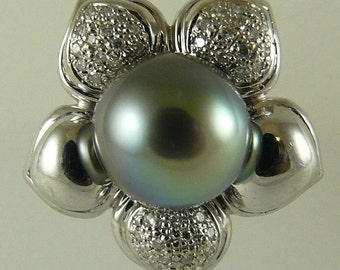 Tahitian Dark Gray 10.8mm Pearl Ring with 18k White Gold and Diamonds 0.25ct