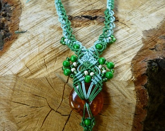Amber necklace macrame