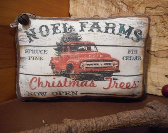 Christmas Truck  Pillow Tuck: Primitive Rustic Americana Christmas Pillow Tuck.