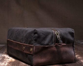 Toiletry bag waxed canvas, dopp kit, leather dopp kit, pouch bag, leather pouch, men travel pouch