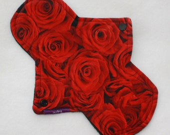 "10"" regular cloth pad in red roses and cotton lycra"