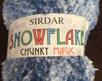 SIRDAR SNOWFLAKE Chunky Magic yarn - matching dyelot skeins Denim Blue Ombre soft cuddly Great for Baby!