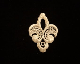 Venise Lace Small Medallion - Lot of 12