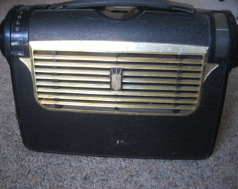 Vintage Zenith 1953, Model 5J41-J504 Portable Tube Radio