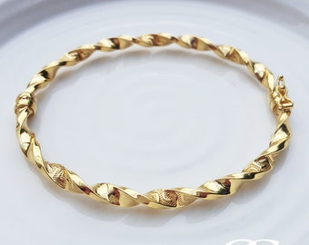Ladies Fine 9ct Yellow Gold Twist Bangle with Engraved Greek Pattern