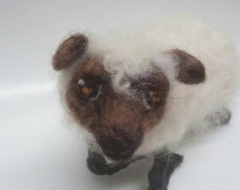 Needle felted sheep- needle felted lamb-hand made lamb-Felted Farm House Decor-Farm Animal-Sheep Sculpture-Primitive Sheep Sculpture-woolen