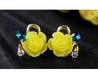 yellow flower shap earrings