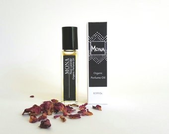 Organic Perfume Oil, Made of Organic Essential oils, Aromatherapy, Roll On Perfume Essential oil