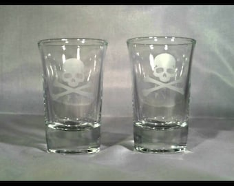 2 Skull shot glasses
