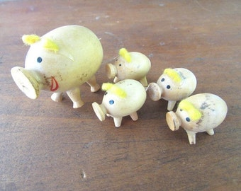 Tiny Pig Family Vintage Wooden Pig and Piglets Knicknacks