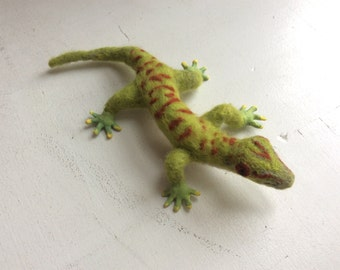 Gecko, needle felted, OOAK, made to order,