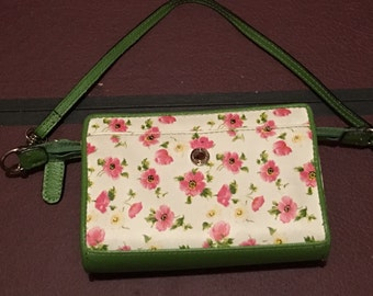 Green and White Floral Wristlet