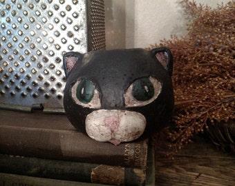 Primitive Cat Head Small
