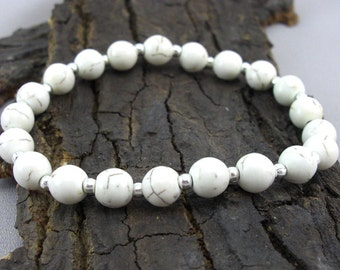 Bracelet cream-coloured Howlithperlen and silver balls beads