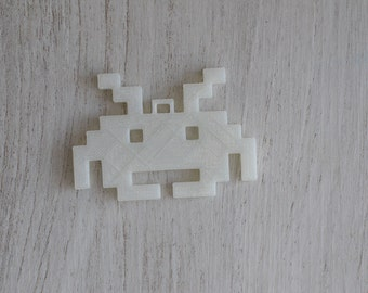 Space invader keyring (Can glow in the dark)