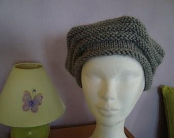French beret retro merino wool with star-shaped pin handmade circular needles seamless gray tones