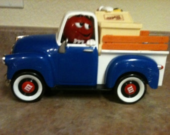 Adorable Collector's Vintage M&M Toy Truck