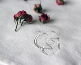 Wedding napkins Set of 4 Personalized Wedding Napkins Cloth Linen Natural napkins Monogram napkin White Wedding linen napkins embroidery eco