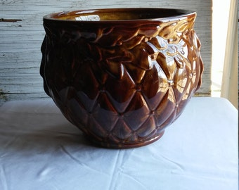 Vintage 50s or 60s McCoy Caramel Glaze Jardieniere with Diamond Quilted Design. Perfect Condition.