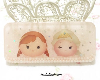 Elsa and Anna resin tile piece