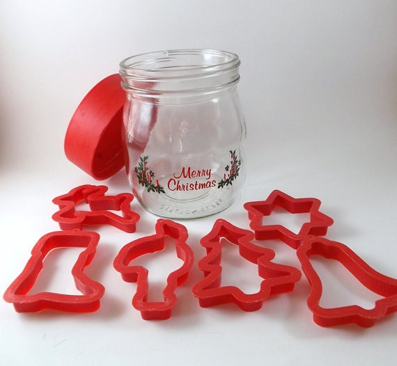 Vintage Christmas Cookie Glass Jar with Cookie Cutter Glass Canister with Plastic Lid and Six Assorted Shaped Cookies Cutters Kitchen Decor