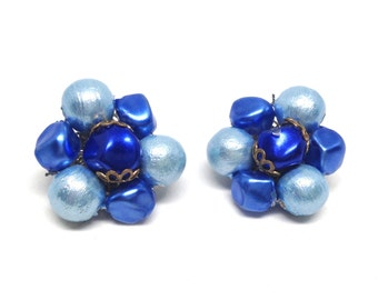 Gorgeous Vintage Costume Jewelry Blue Beaded Cluster Clip On Earrings