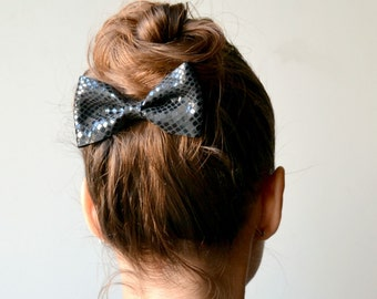 Black leather hair bow / Bow clip / Hair accessories for children / Black patent leather