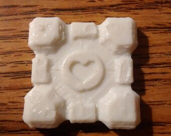 Companion Cube (NFC enabled)