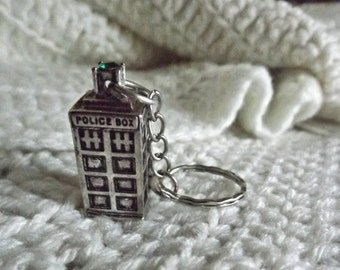 Tardis Keychain, Keychain, Fandom Keychain, DW inspired, Gift for Her, Gift for Him, Birthday Gift, Fangirl Gift, Fanboy Gift