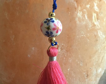 Tassel and flower bead necklace