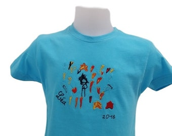Child t-shirt embroidered on the grounds that it will have drawn itself, which will be designed only to its creator!