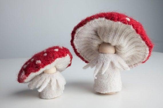 Mushroom People, Mother and Baby Wool Peg Doll Waldorf Toys, Amanita Muscaria, Toadstools