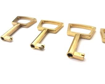 Vintage brass plated key #122A63BX10