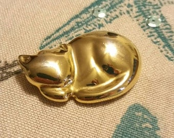 Vintage Sleeping Cat Gold Tone Brooch by Liz Claiborne